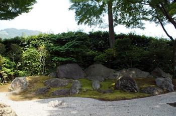 283 涅槃の庭.jpg