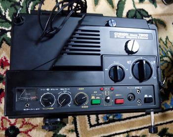 651  8ミリ映写機.jpg