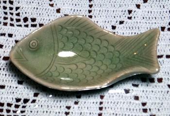 1010 魚型小皿.jpg