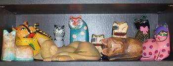 1259  猫の置物 .jpg