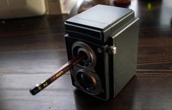 356 カメラ型鉛筆削り.jpg